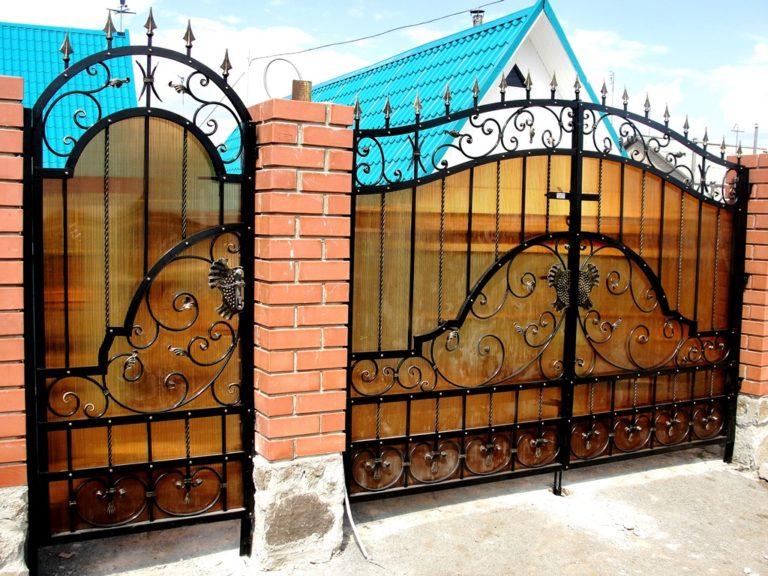 Распашные кованые ворота Тип 1