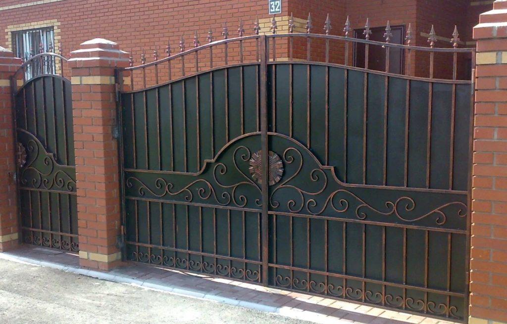 Распашные кованые ворота Тип 2