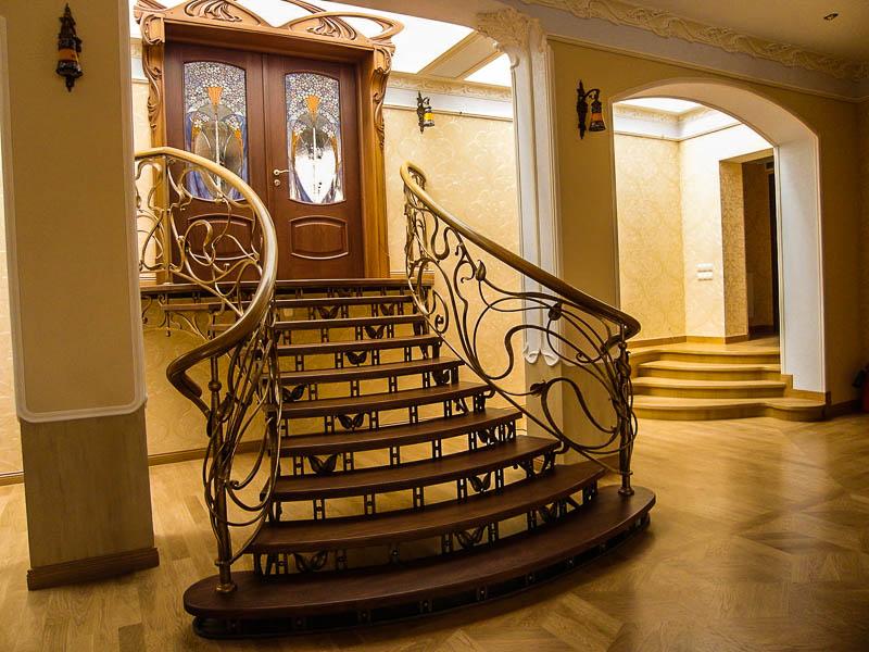 Кованая лестница Тип 10