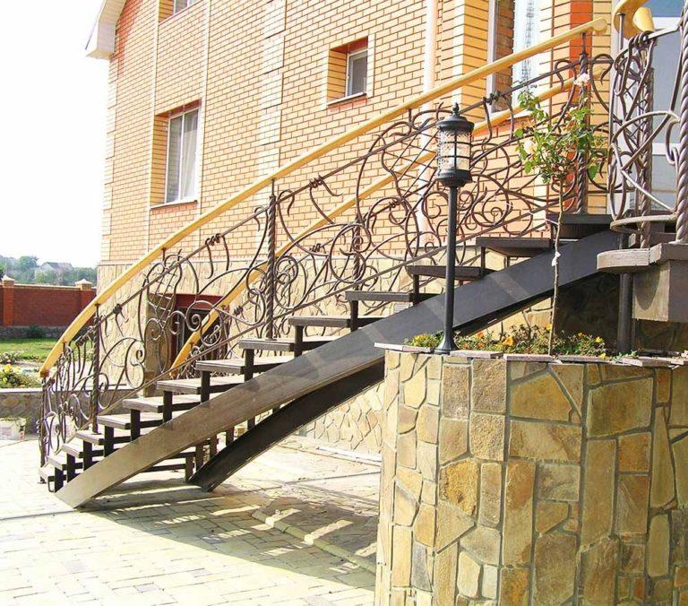 Кованая лестница Тип 17