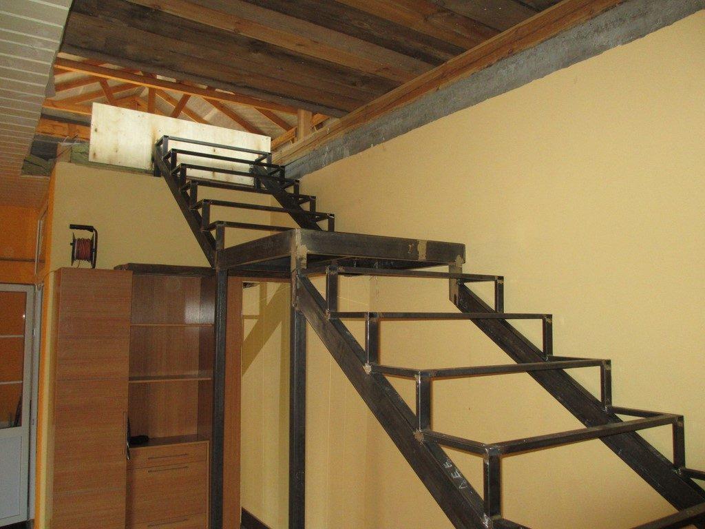 Металлическая лестница Тип 19