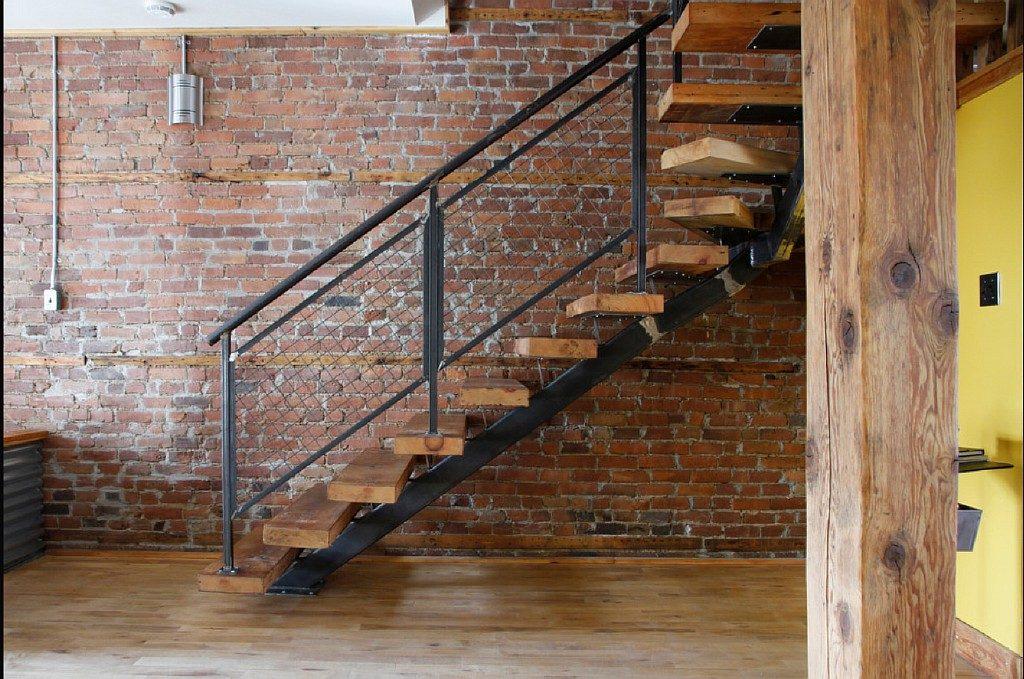 Металлическая лестница Тип 6
