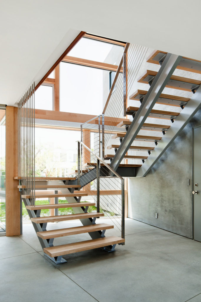 Металлическая лестница Тип 9